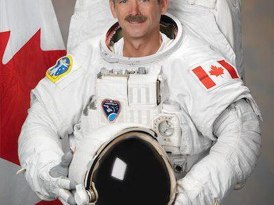安全志向の宇宙飛行士はちゃんと歌詞を変えていた:David Bowie「Space Oddity」②