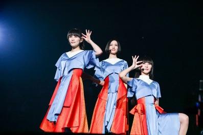 【Perfume】長すぎるリクエステージの衣装